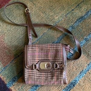 Classic Chaps brand houndstooth printed crossbody